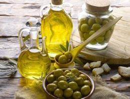 olio-olive-oliva-hiphoto39-fotolia-750x571